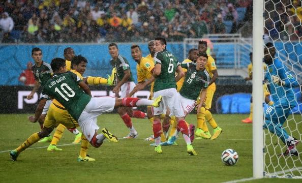 Attenzione al Messico, Dos Santos magie e gol annullati