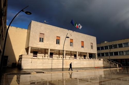 Le tre civiche Rubeis suonano la carica a Forza Italia