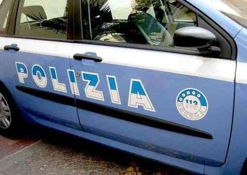 Accoltella moglie e figlia, arrestato 49enne
