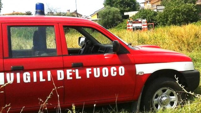 #Flash news- Autocombustione o piromane, secondo incendio a tre ore di distanza dal primo a Collefiorito di Guidonia