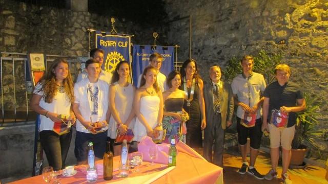 """""""Scambio Giovani"""" dal mondo per una settimana a Guidonia e Tivoli, progetto Interclub  del Rotary"""