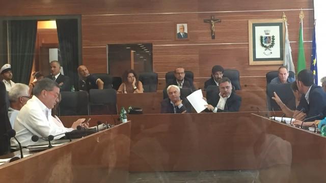Caso Rubeis: maggioranza si riunirà per decidere su ipotesi di commissariamento