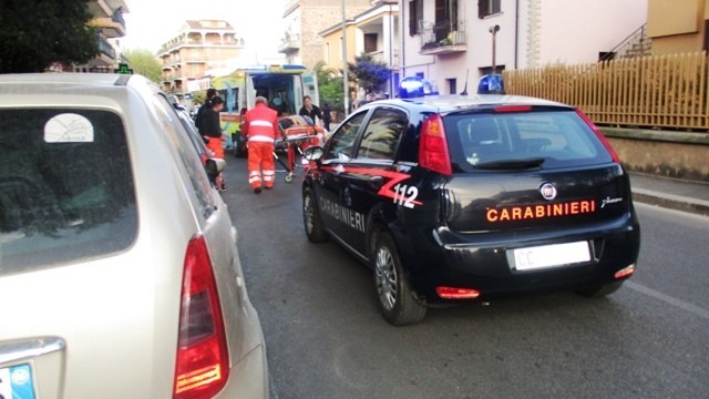 Flash news-Collefiorito, colto in fragranza dentro casa aggredisce