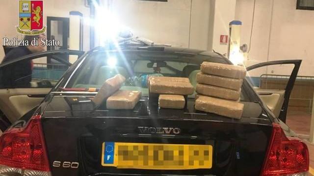 Nuovo allarmante sequestro di 11 chili di cocaina, giovani Albanesi di 18 e 25 anni corrieri della droga