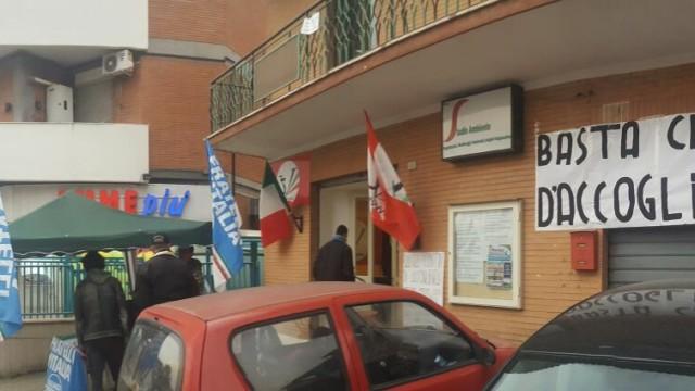 """""""No all'insediamento del centro d'accoglienza"""", raccolta firme a Guidonia"""