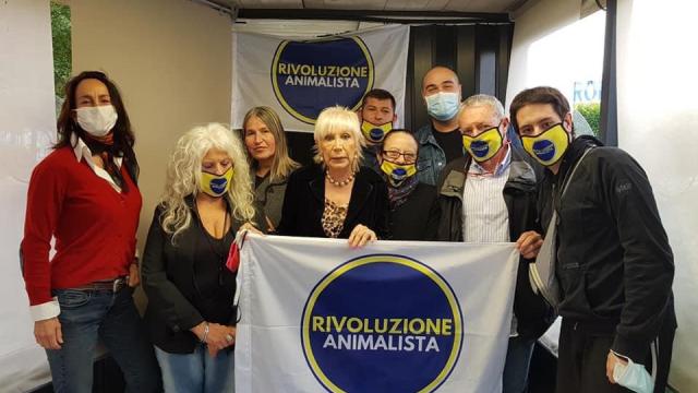 Rivoluzione Animalista fa il punto e incontra i coordinatori in Toscana
