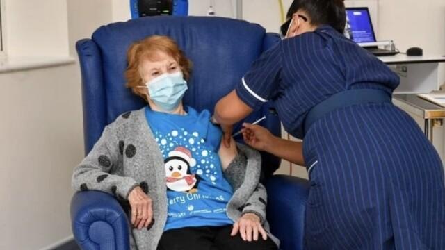 M. Keenan, la prima persona in UK ad essere vaccinata