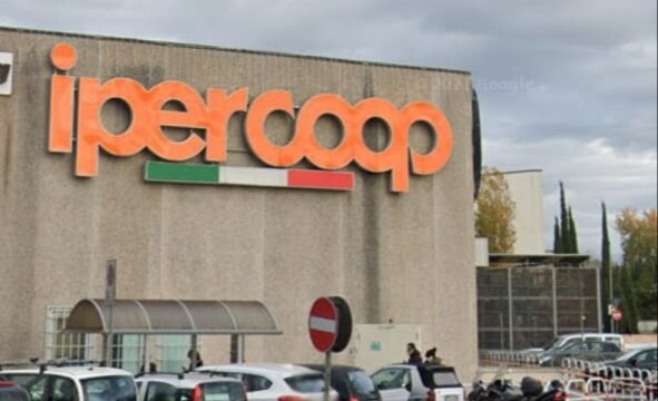 Centro commerciale Tiburtino, sit-in alla Coop